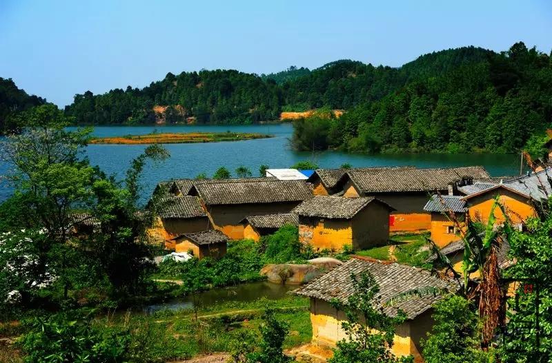 夯土乡村鼓鸣寨:一个远离城市喧嚣、洗涤心灵的地方