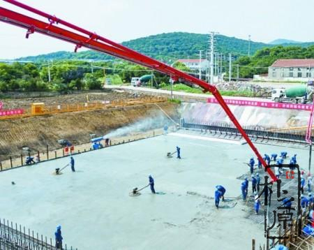 太湖隧道采用清水混凝土浇筑,将成为太湖上耀眼的明珠