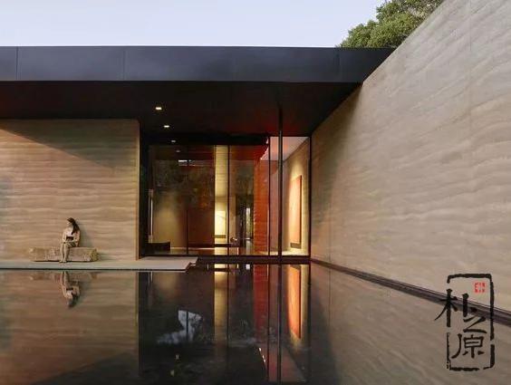 【设计物语】Windhover:融合夯土元素的自然杰作