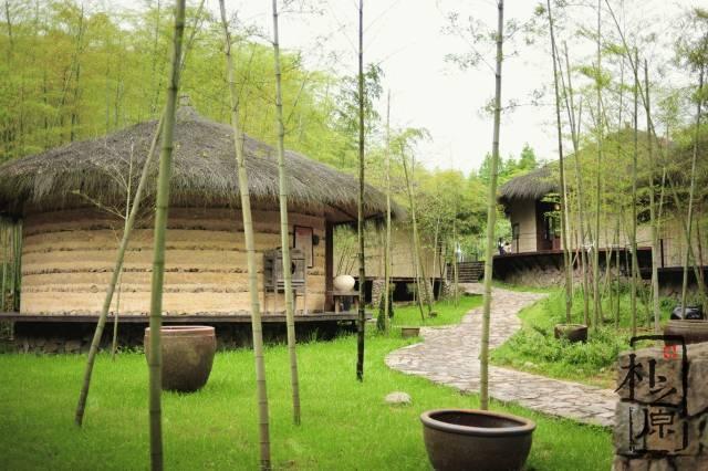 夯土造房子,越土越美:裸心小馆