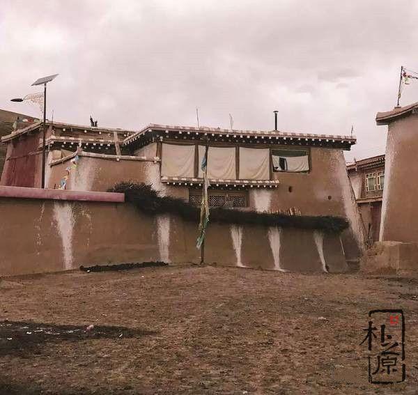 四川阿坝:夯土墙民居建筑博物馆