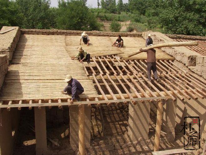 乡村夯土墙民居的承重与抗震性能怎么样?