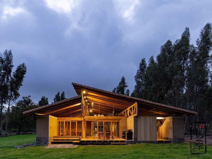 厄瓜多尔Lasso夯土住宅
