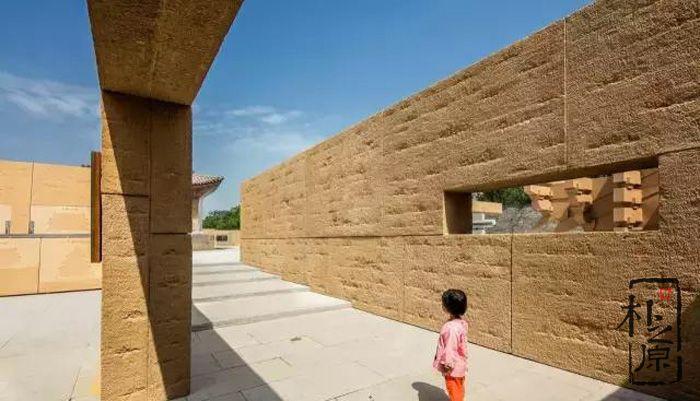 揭秘现代新型夯土墙挂板施工工艺,欣赏中国学问景观案列
