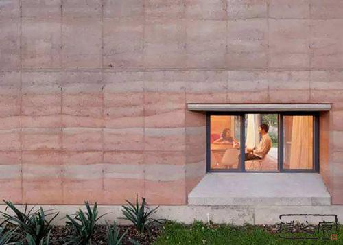 夯土墙开门窗洞口的方法