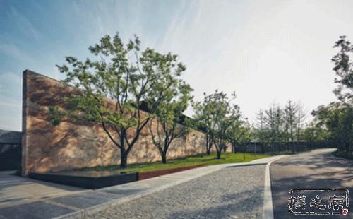 现代夯土景观墙的制作工艺