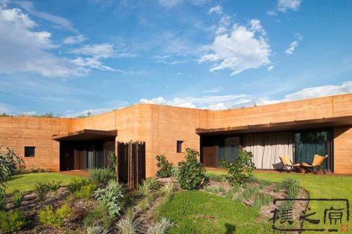 现代夯土建筑