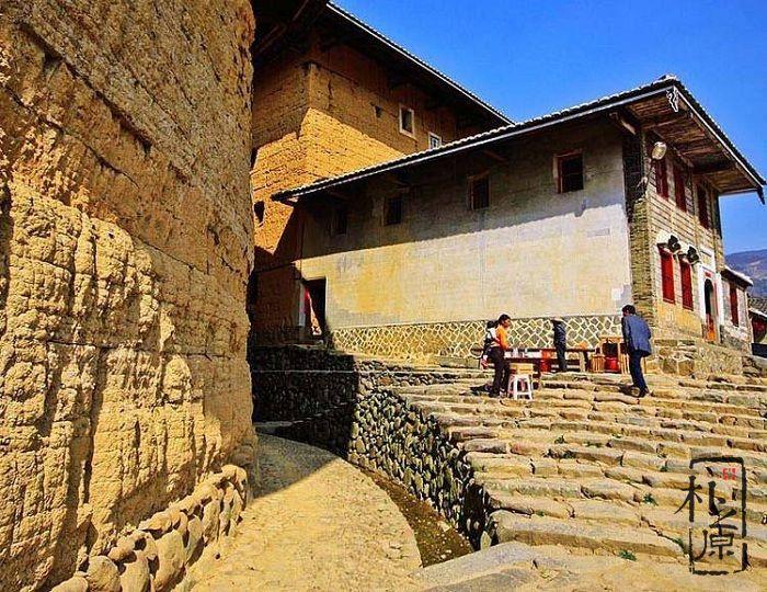 传统夯土墙