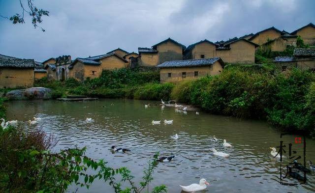 夯土墙及民居,民族历史学问长河里的浪花朵朵