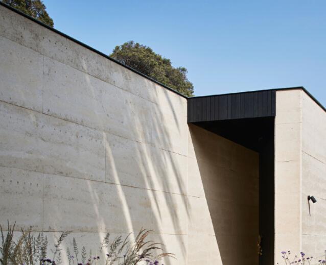 从传统到新型夯土墙的诗意营造